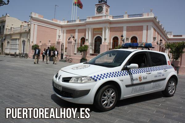 20140717_local_coche_policia