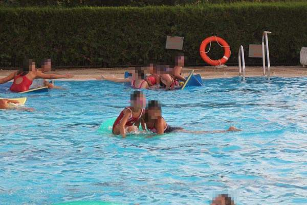 20140707_piscina_gente
