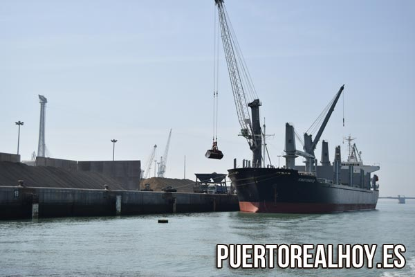 Muelle de carga de graneles de La Cabezuela.