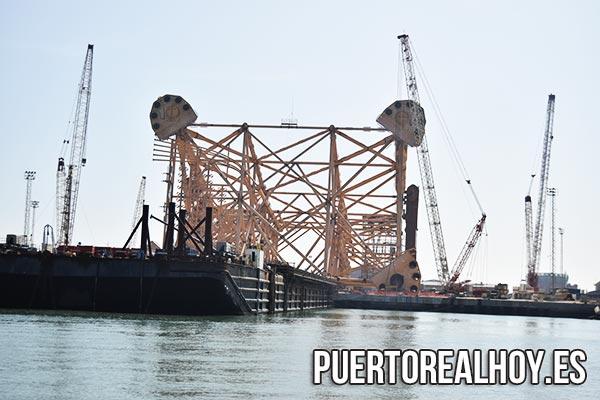 Embarque del jacket para la plataforma Mariner en Dragados Puerto Real.