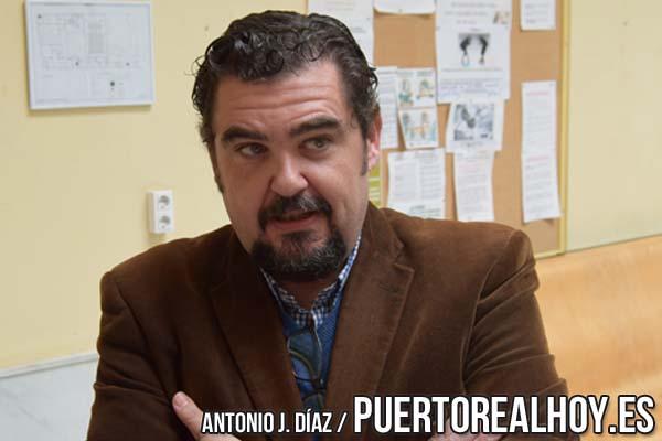 Manuel J. Parodi concediendo una entrevista
