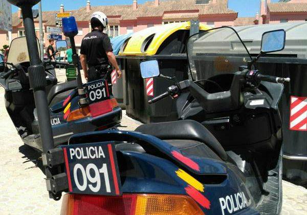 Efectivos de la Policía Nacional en Puerto Real