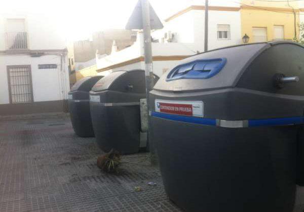 Bombos de basura en Puerto Real.