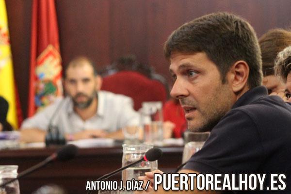 Alfredo Charques durante un Pleno Municipal.
