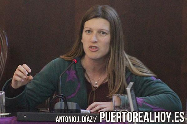 Mayte Sánchez en un Pleno del Ayuntamiento de Puerto Real