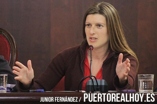 Mayte Sánchez durante un Pleno de Puerto Real