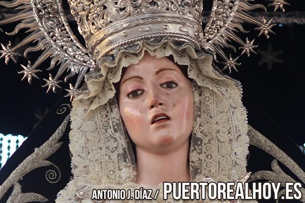 Virgen de la Soledad en su salida procesional por Puerto Real.