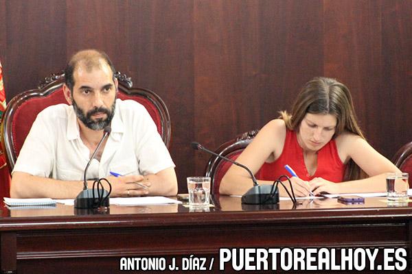 Antonio Romero y Mayte Sánchez en el Pleno