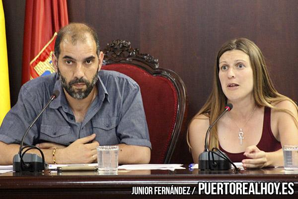 Antonio Romero y Mayte Sánchez en un pleno