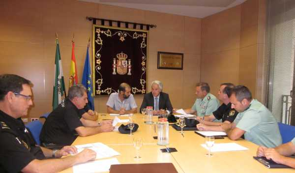 Romero y Muñoz durante la reunión en Subdelegación del Gobierno