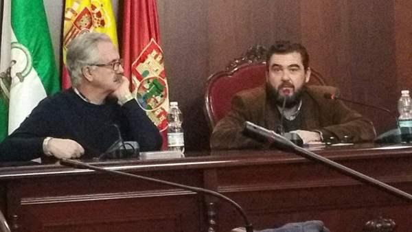 Manuel Villalpando y Manuel J. Parodi en la última charla