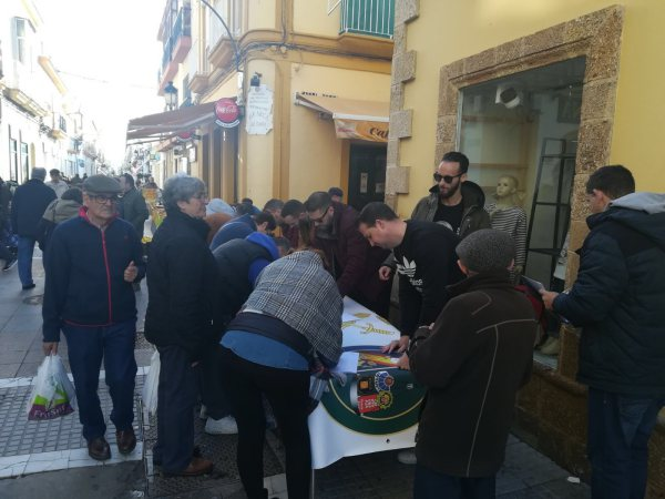 Mesa de JUPASAL en la Calle De la Plaza por la equiparación salarial