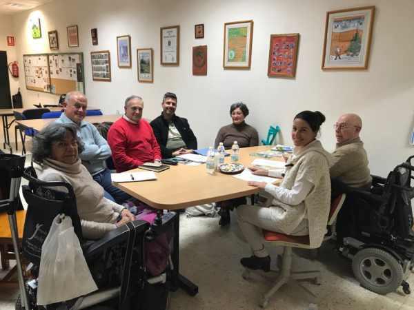 Miembros de AxSí con la dirección de la Asociación Las Canteras