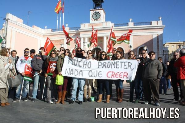 Los trabajadores durante una de las Huelgas tras el cierre.