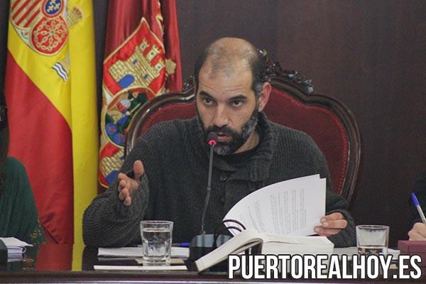 Antonio Romero, Alcalde de Puerto Real, durante el Pleno.