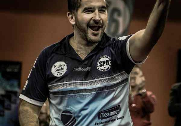 Jesús Cantero celebra un punto con el SPO-Rouen.