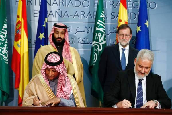Esteban García Vilasánchez firma el acuerdo de la Joint Venture con Arabia Saudí.