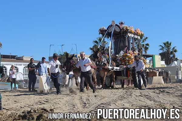 Hermandad de El Rocío por las arenas de Bajo de Guía.