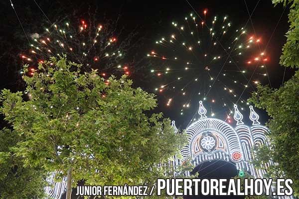 Fuegos artificiales en la Feria de Puerto Real.