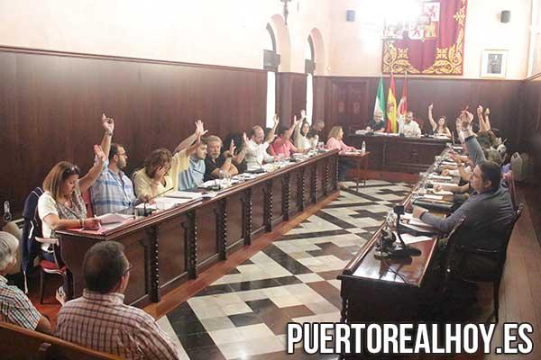 Votación en el Pleno del Ayuntamiento de Puerto Real.
