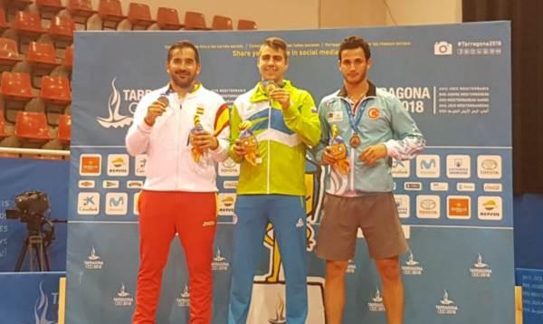 Jesús Cantero recogiendo la medalla de Plata en los Juegos Mediterráneos de Tarragona 2018.