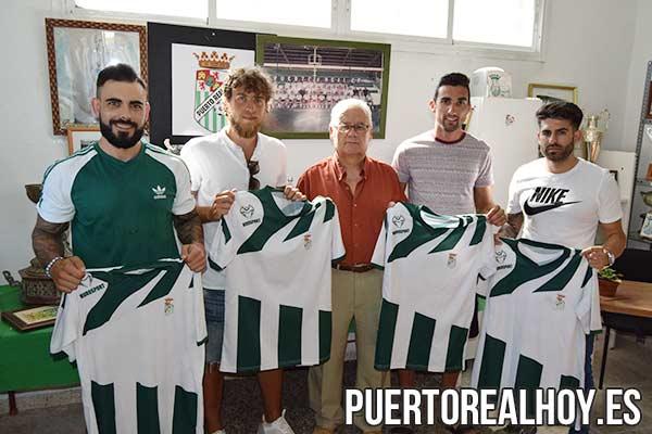 Julio Periano, Fran Cortés, Miguel Valiente y Alberto Sánchez con Antonio Bohórquez.