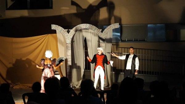 Teatro en los Patios de Puerto Real.
