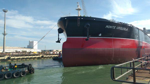 """Petrolero SuezMax """"Monte Urquiola"""" en Navantia Puerto Real."""