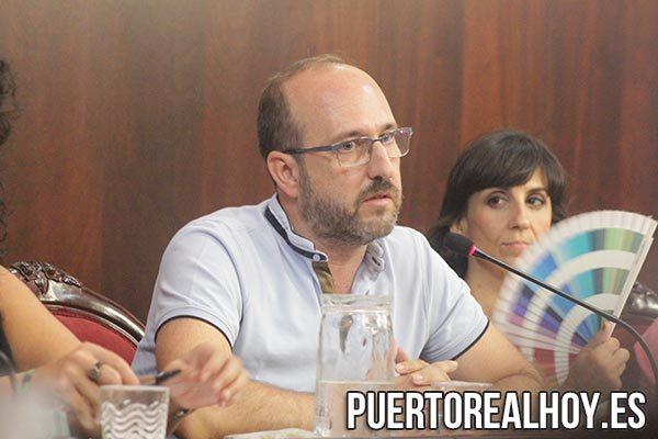 Manuel Izco, Concejal del PA.