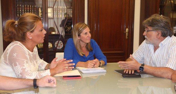 Irene García y Elena Amaya con Antonio Noria.