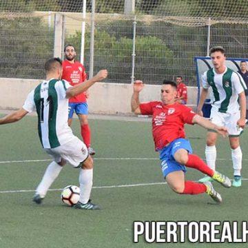 Juan Alberto Palacios dispara ante la oposición rival.