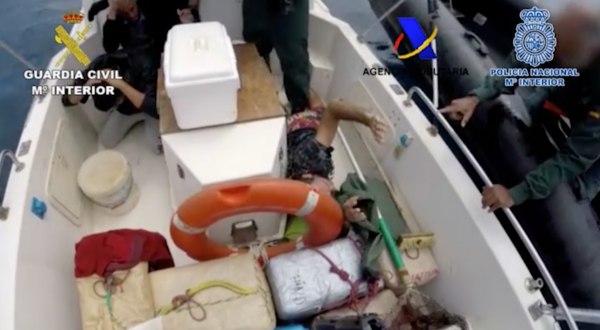Foto de los agentes deteniendo a un hombre en la Operación Euyen.