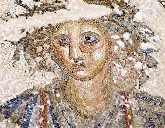 Mosaico de Baco, originalmente en Puerto Real, en el Museo de Cádiz.