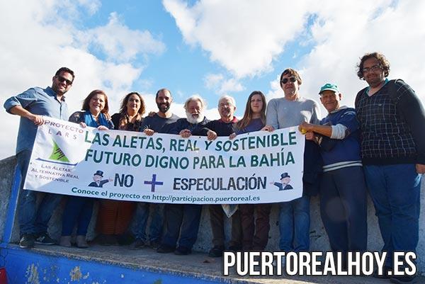 Los miembros de Adelante Andalucía con el Alcalde de Puerto Real y los colectivos LARS.