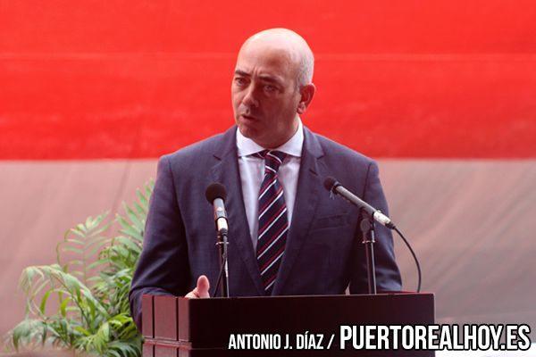 Pablo López, Director de Navantia en la Bahía de Cádiz, durante su discurso.