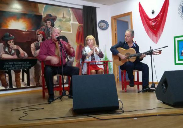 """Antonio Traverso """"El Colorao"""", al cante."""