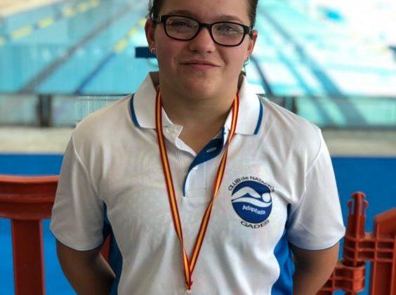 Aitana Estrada, nadadora del CN Adaptada Gades.