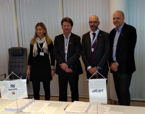 Javier Herrador y Sofía Honrubia (Navantia) junto a Mads Andersen (president CEO de Aibel) y Stig Jessen (Project director P2 de Aibel)
