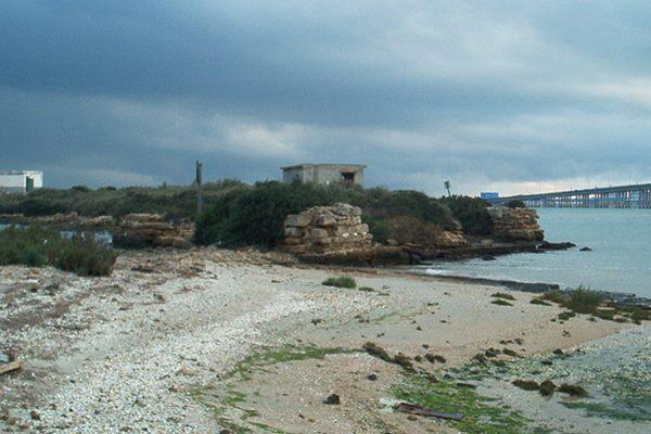 Restos del Fort Luis en El Trocadero