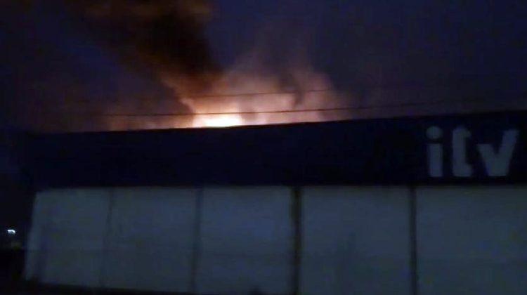 Incendio en la ITV de Tres Caminos.